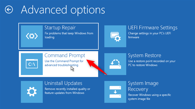 Abra el símbolo del sistema antes de iniciar Windows