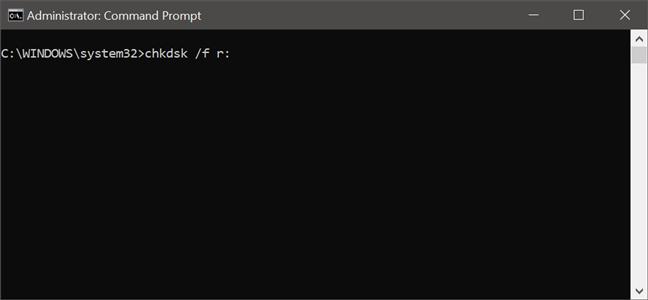 Uso del comando chkdsk para verificar errores en una unidad