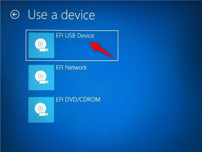 Inicie su PC usando algún medio de instalación de Windows (USB, DVD, etc.)
